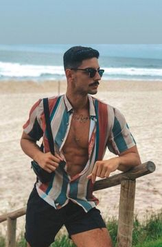 Most Popular mens fashion casual young outfit Ideas Summer Outfits Men, Stylish Mens Outfits, Unisex Outfits, Look Man, Style Outfits, Herren Outfit, Men Beach, Mens Clothing Styles, Printed Shirts