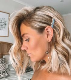 fast easy hairstyles Half Up Hairdos For Short Hair, Blonde Bob Hairstyles, Summer Hairstyles, Messy Hairstyles, Wedding Hairstyles, Medium Hair Cuts, Medium Hair Styles, Curly Hair Styles, Low Maintenance Hair
