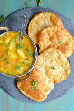 Raise your hands if you love Pooris! Or luchis or Kulcha or Bhathura. Anything which is deep fried, puffed and crispy. Especially when served with aloo sabz Pakora Recipes, Aloo Recipes, Veg Recipes, Bread Recipes, Yummy Recipes, Healthy Recipes, Thai Street Food, Indian Street Food, Indian Food Recipes