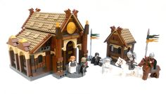 LEGO Lord of the Rings - Edoras par Nuju Metru - Come visit us at www.hothbricks.com, www.lordofthebric... & www.brickheroes.com for up to date news about LEGO stuff