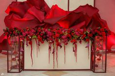 SUARE. Оформление свадьбы. Флористика. Декор. Valentine Decorations, Flower Decorations, Wedding Decorations, Ceremony Backdrop, Wedding Stage, Red Wedding, Wedding Flowers, Backdrop Design, Photo Booth Backdrop