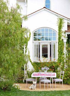 Shabby-chic Beach Cottage Ideas. #ShabbyChic #Cottage Alison Kandler Interior Design.