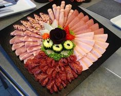 62 ideas for cheese platter presentation cold cuts Party Platters, Party Buffet, Cheese Dishes, Cheese Platters, Meat Platter, Food Carving, Food Garnishes, Food Decoration, Food Platters