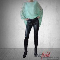 colanti moderni fld Leather Pants, How To Wear, Fashion Design, Handmade, Hand Made, Leather Joggers