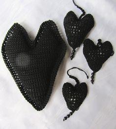 Deko-Objekte - geRIPpe Herz * Häkelherz - ein Designerstück von MaschenTanz bei DaWanda