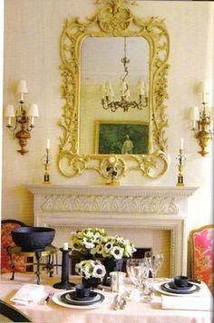 Neoclassical mantle arrangement