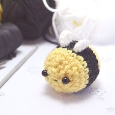 Kawaii bee amigurumi patternThe little amigurumi bee is quite simple to make, so here is a free pattern for you. [[MORE]] Difficulty: easy Size: Using medium (worsted) weight yarn and a 3.5mm (E)...