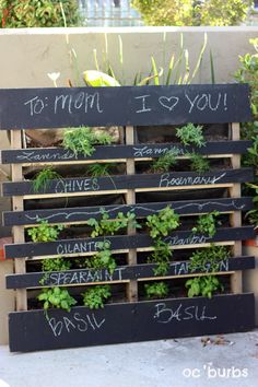 Awesome Pallet Herb Garden w/ Chalkboard!! I love this idea... it's a must have at the beach house, and maybe home, too.