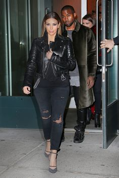 Evaluate the Kendall Jenner style apply, the best looks worn by on fad Kendall. Kim Kardashian Blazer, Kardashian Style, Casual Wear, Casual Outfits, Fashion Outfits, Kim K Style, My Style, Celeb Style, Post Baby Fashion