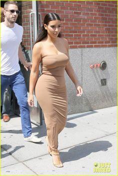 Kim Kardashian Shares Most Adorable #TBT Ever of Her & Birthday Girl Khloe Kardashian! | kim kardashian shares most adorable picture of her young khloe 05 - Photo