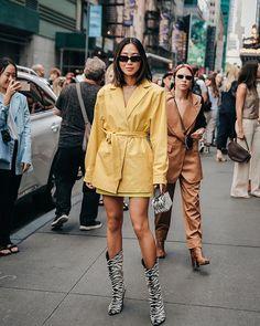 Influencer wearing Velvet Canyon sunglasses at New York Fashion Week influencer marketing branding pr fashion fashion week velvet canyon sunglasses yellow stylish zebra print Look Street Style, New York Fashion Week Street Style, Cool Street Fashion, Girl Fashion, Fashion Outfits, Fashion Trends, Fashion Blogs, Fashion Fall, Daily Fashion