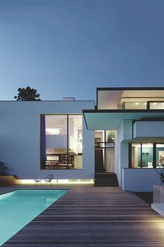 Vista House, Stuttgart by Alexander Brenner  (Photo Zooey Braun)