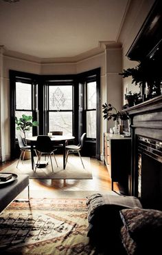 28 Apartment Decor That Will Blow Your Mind - Home Decoration Experts Decoration Inspiration, Interior Inspiration, Room Inspiration, Decor Ideas, Interior Architecture, Interior And Exterior, Black Trim Interior, Black Molding, Townhouse Interior