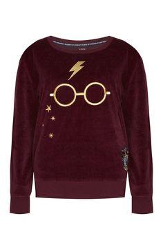 Harry Potter Gryffindor Juniors T Shirt - Quidditch Corner Pull Harry Potter, Mode Harry Potter, Harry Potter Shirts, Harry Potter Style, Harry Potter Sweatshirt, Harry Potter Outfits, Harry Potter Clothing, Harry Potter Merchandise, Oufits Casual