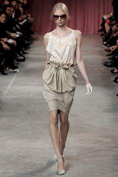 Nina Ricci SPRING/SUMMER 2011 READY-TO-WEAR