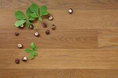 Consideriamo quali caratteristiche debbano avere le pavimentazioni in legno prima di essere acquistate, e quale grado di finitura debbano avere. Per poter dare una valutazione oggettiva, abbiamo fatto la stima dei costi di unpavimento in legno in una ristrutturazioneimmobiliarecon una superficie di 80mq. Tavole masselledi legno: parquet tradizionale Il legno è un materiale naturale, resistente e,