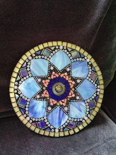Mosaic Mandala by Moonjewelsandmosaics Mosaic Artwork, Mirror Mosaic, Mosaic Diy, Mosaic Garden, Mosaic Crafts, Mosaic Glass, Glass Art, Mosaic Ideas, Mosaic Wall
