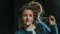 De auteur Lize Spit heeft met haar boek 'Het smelt' zaterdag okotber de Bronzen Uil gewonnen. 8 oktober werd een organisatie gehouden 'Het Betere Boek', waarin de jury na een lange discussie dit Nederlands debuutroman heeft uitgekozen. De schrijfster heeft 5.000 euro met een brons beeld ontvangen en was ontzettend blij.