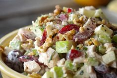 This classic CHICKEN WALDORF SALAD is all about the interesting combination of fruit, vegetable, nuts and chicken tossed in a tangy dressing. Best Salad Recipes, Cucumber Recipes, Salad Dressing Recipes, Chicken Salad Recipes, Entree Recipes, Waldorf Chicken Salad, Greek Chicken Salad, Best Waldorf Salad Recipe, Ranch Potato Salad