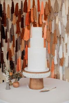 Earthy diy boho Southwestern wedding Cake with DIY tassle backdrop  #wedding #bohowedding #southwesternwedding #floridawedding #bohemianwedding #pampasgrass #confettidaydreams #neutralwedding #weddingideas #weddingdecor #weddingtheme #weddingcolorscheme Wedding Cake Rustic, Boho Wedding, Our Wedding Day, Wedding Events, Southwestern Wedding, Fort Lauderdale Wedding, Amazing Wedding Cakes, Handmade Wedding, Simple Weddings