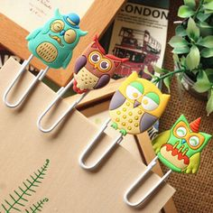 Cheap bookmark collection, Buy Quality paper bookmark directly from China paper bow Suppliers: Materials: Metal The Cartoon owl bookmark is designed specially for students, reader Paper Clips Diy, Metal Paper Clips, Diy Paper, Free School Supplies, Office And School Supplies, Polymer Clay Kawaii, Polymer Clay Art, Cool Bookmarks, Funny Owls