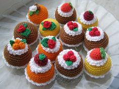 вязаные тортики и пирожные крючком фото и схемы: 19 тыс изображений найдено в Яндекс.Картинках