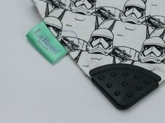 These are perfect for any star wars fan, not just for may the ;) Get them with a teether for even more use! New Parents, New Moms, Good Color Combinations, Bib Pattern, Dribble Bibs, Baby Safe, Baby Grows, Little Ones, Star Wars