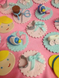 Cupcake toppers at a Princess Party #princessparty #cupcake