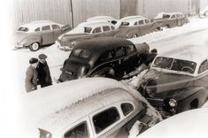 Used Checker cars imported to Finland in 1952 Helsinki, Finland, Antique Cars, Chicago, Antiques, Vehicles, Antiquities, Rolling Stock, Antique