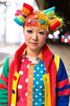 Ran into Maimai & her super-bright rainbow decora fashion on the street in Harajuku!