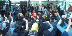 "enasihat Wadah Pekerja Komisi Pemberantasan Korupsi Nanang Farid Syah menilai, Menteri Pendayagunaan Aparatur Negara dan Reformasi Birokrasi (PAN-RB) Yuddy Chrisnandi tidak berhak menuding pegawai KPK telah membangkang. ""Dia (Yuddy) siapa? Apa urusan dia dengan KPK?"" ujar Nanang di Gedung KPK, Jakarta, Selasa (3/3). Terlebih lagi, lanjut Nanang, Yuddy akan mengenakan sanksi kepada para pegawai yang…"