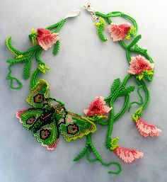 Beads Magic - free beading patterns and everything about handmade jewelry: beads patterns, schemas, photos, ideas, inspiration. - Part 61 Seed Bead Necklace, Seed Bead Jewelry, Bead Jewellery, Beaded Jewelry, Handmade Jewelry, Beaded Necklace, Unusual Jewelry, Seed Bead Flowers, Beaded Flowers