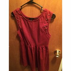Forever 21 Maroon Dress with Studs Beautiful Forever 21 dress. Fitted at the waist and flows out at the hips. Very flattering on all body types! Forever 21 Dresses Mini