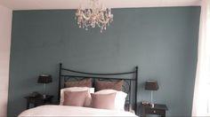 Mooie kleur voor de slaapkamer (diepzee blauw van karwei)