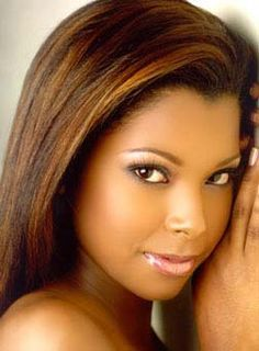 This is great hair color for dark skin Hair Color For Dark Skin, Cool Hair Color, Hair Colors, Highlights On African American Hair, My Hairstyle, Cool Hairstyles, 1920s Hairstyles, Gabrielle Union Hairstyles, Curly Hair Styles