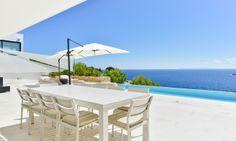 Moderne Villa mit Meerblick in Roca Llisa, Ibiza. Moderne Villa mit Panorama-Meerblick in einer privilegierten Lage in der exklusiven Urbanisation Roca Llisa. http://www.dostco-immobilien.de