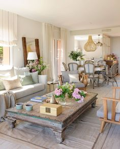 neat and cozy living room ideas 21 Related Cozy Living Rooms, Home Living Room, Living Room Decor, Dining Room Design, Interior Design Living Room, Decor Interior Design, Country Family Room, Living Room Upgrades, White Home Decor