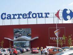 La construcción de un centro comercial que albergará a Carrefour está en marcha en Arshakuniants Avenue en Ereván.
