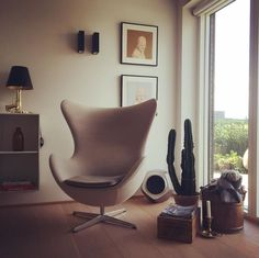 Cozy home decor with BeoLab 19 on the background! We love this picture by Line / boliguniverset - Thank You for sharing!