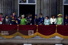 June 21, 1991: Queen Elizabeth ll and Prince Philip, Duke of Edinburgh, stand on the balcony of Buckingham Palace during the Gulf War Victory Parade in the City of London. Also watching is Diana, Princess of Wales (r), Sarah Ferguson (second right) and Anne, Princess Royal (third right).