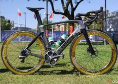 There's precisely one person in the world who could pull off riding this bike, and that's @petosagan