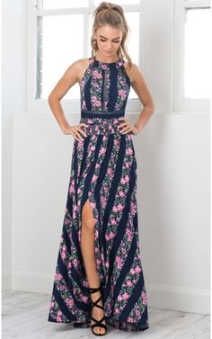 Stand out with this stunning Floral Print Halter Maxi Dress.  Your look comes into bloom just in time for summer, try and make a difference for beach party.