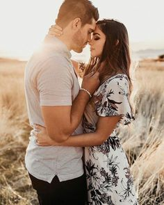 curtidas, 39 comentários - Dirty boots and messy hair ( - Couple Couple Photoshoot Poses, Couple Photography Poses, Couple Posing, Couple Shoot, Engagement Photo Poses, Engagement Couple, Engagement Pictures, Country Engagement, Winter Engagement