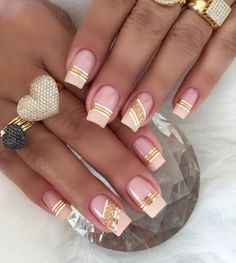 Best Gorgeous Strips Tape Line Nails Design for Summer - Page 21 of 60 - Diaror Diary Gold Nail Art, Cute Nail Art, Cute Nails, Pretty Nails, Fabulous Nails, Gorgeous Nails, Glam Nails, Beauty Nails, Line Nail Designs