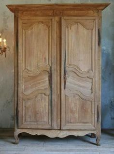 Gorgeous antique armoire from Provence in pale sun bleached oak. Classic old serpentine panel doors - a stunning old piece. Circa Idea for existing armoire? French Furniture, Antique Furniture, Painted Furniture, French Armoire, Antique Armoire, Oak Wardrobe, Antique Wardrobe, Vintage Wardrobe, Computer Armoire
