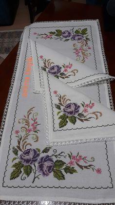 Cross Stitch Heart, Cross Stitch Flowers, Crochet Flower Tutorial, Crochet Flowers, Hand Embroidery Art, Crochet Bedspread, Closet Designs, Loom Patterns, Decoration Table
