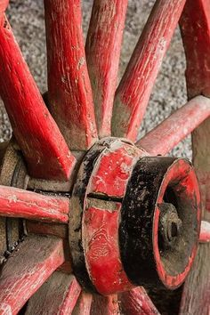 Wagon Wheel by juleswoome Country Charm, Country Life, Country Living, Rustic Charm, Red Farmhouse, Old Wagons, Red Cottage, Simply Red, Photocollage
