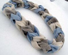 chain link scarf - Google Search I think this could be made out of sweater scraps!