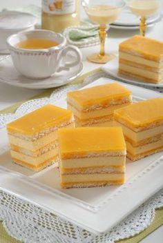 Tvarohové rezy s pomarančovým sirupom Just Desserts, Delicious Desserts, Dessert Recipes, Cake Recept, Czech Recipes, Mini Cakes, Yummy Cakes, Food Dishes, Yummy Treats