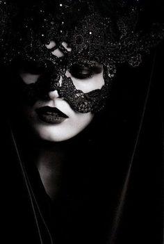 Gothic Fashion by porcelainskull